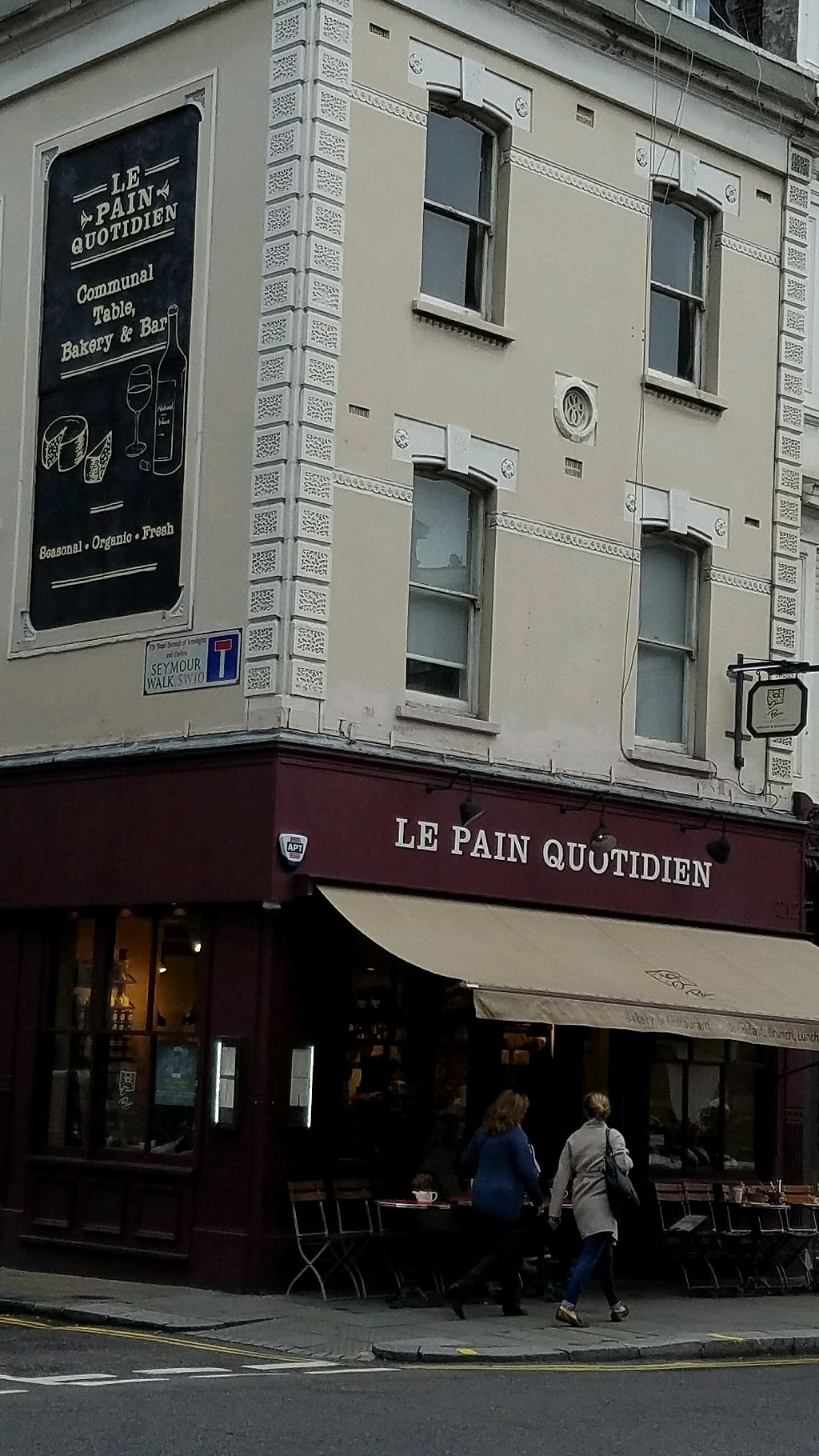 "Photo of Le Pain Quotidien - Fulham Rd  by <a href=""/members/profile/eric"">eric</a> <br/>outside <br/> October 10, 2017  - <a href='/contact/abuse/image/84217/313887'>Report</a>"