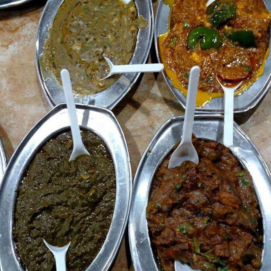 """Photo of Balwant Singh's Eating House  by <a href=""""/members/profile/AnandGoyal"""">AnandGoyal</a> <br/>sabzi <br/> December 21, 2016  - <a href='/contact/abuse/image/84264/203337'>Report</a>"""