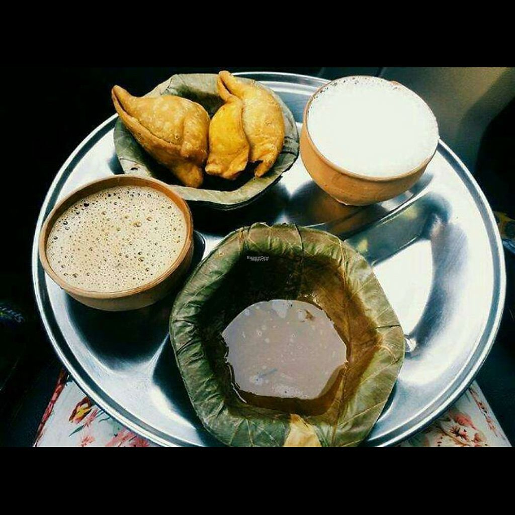 """Photo of Balwant Singh's Eating House  by <a href=""""/members/profile/AnandGoyal"""">AnandGoyal</a> <br/>samosa chai <br/> December 21, 2016  - <a href='/contact/abuse/image/84264/203338'>Report</a>"""