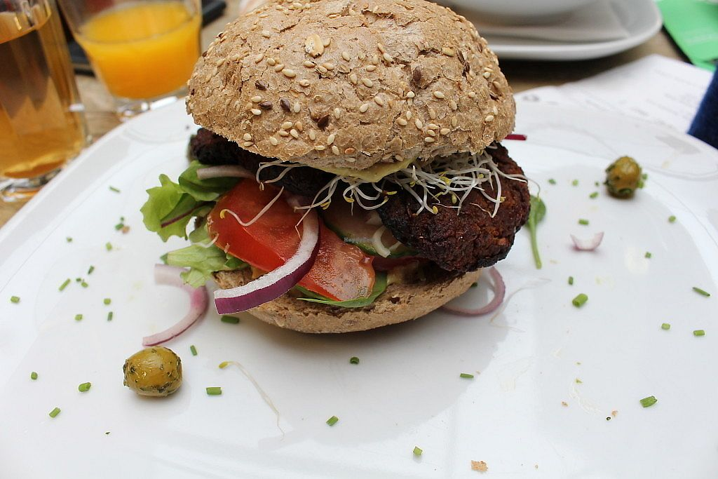 """Photo of Jansje  by <a href=""""/members/profile/happyowl"""">happyowl</a> <br/>Vegan burger - photo taken by De Groene Meisjes <br/> August 7, 2017  - <a href='/contact/abuse/image/84290/290187'>Report</a>"""