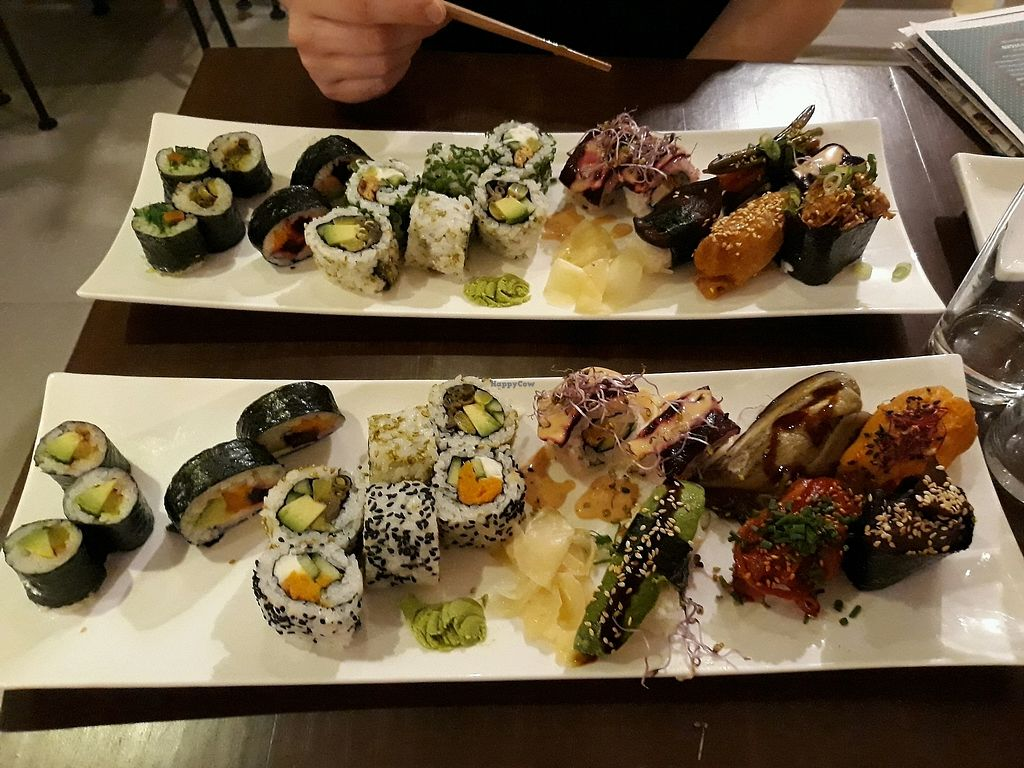 "Photo of MakiMaki Sushi Green  by <a href=""/members/profile/HannaStra%C3%9Fburger"">HannaStraßburger</a> <br/>vegan sushi <br/> March 27, 2018  - <a href='/contact/abuse/image/84303/376888'>Report</a>"