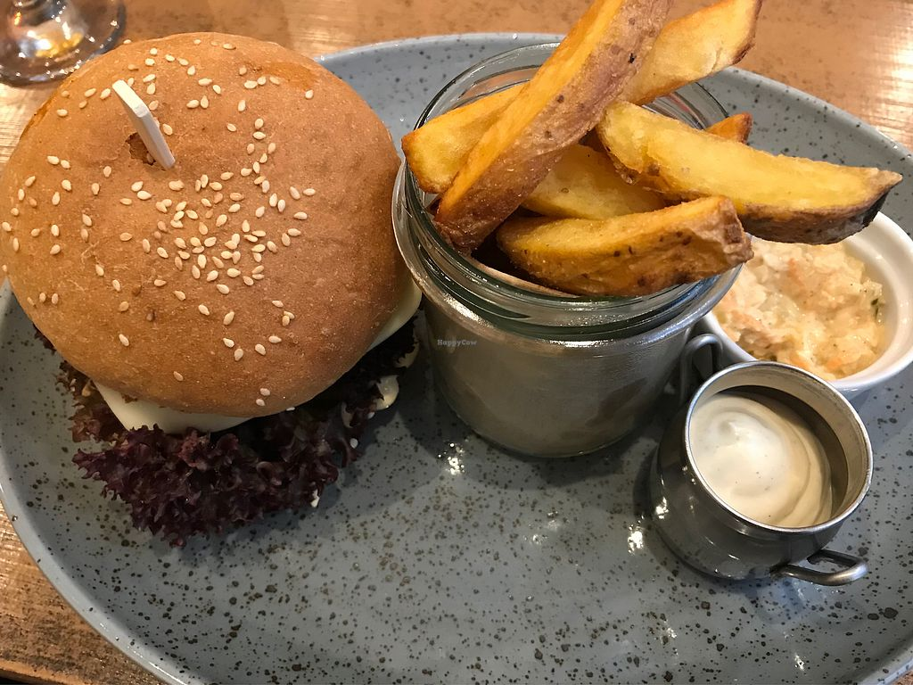"Photo of Balans Bistro  by <a href=""/members/profile/Charly0993"">Charly0993</a> <br/>Balans Burger with Chips for 6,50€ <br/> March 17, 2018  - <a href='/contact/abuse/image/84394/371715'>Report</a>"