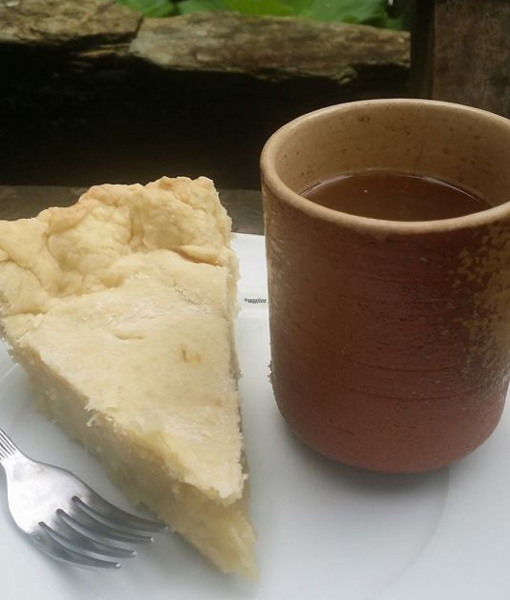 "Photo of Atma VF  by <a href=""/members/profile/supertofu"">supertofu</a> <br/>freshly baked buko pie and hot coffee  <br/> December 27, 2016  - <a href='/contact/abuse/image/84439/204957'>Report</a>"