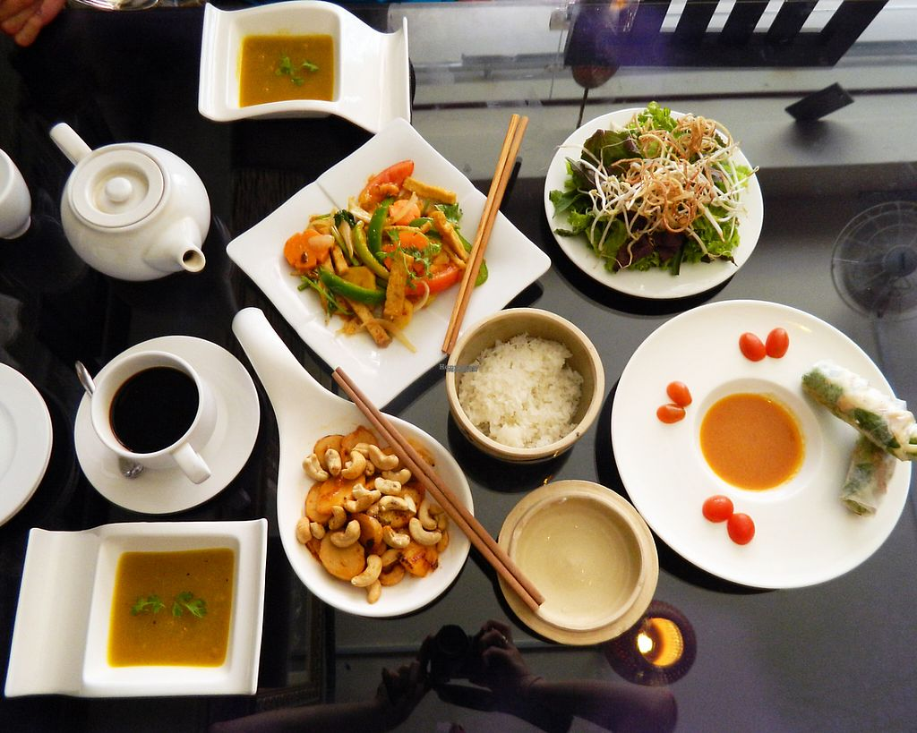 """Photo of May Quan Chay  by <a href=""""/members/profile/burecas"""">burecas</a> <br/>Chicken with pineapple and cashew nuts, rice, pumpkin cream soup, vegetables, spring rolls (with cheese), peppermint tea, black coffee <br/> December 24, 2016  - <a href='/contact/abuse/image/84449/204454'>Report</a>"""