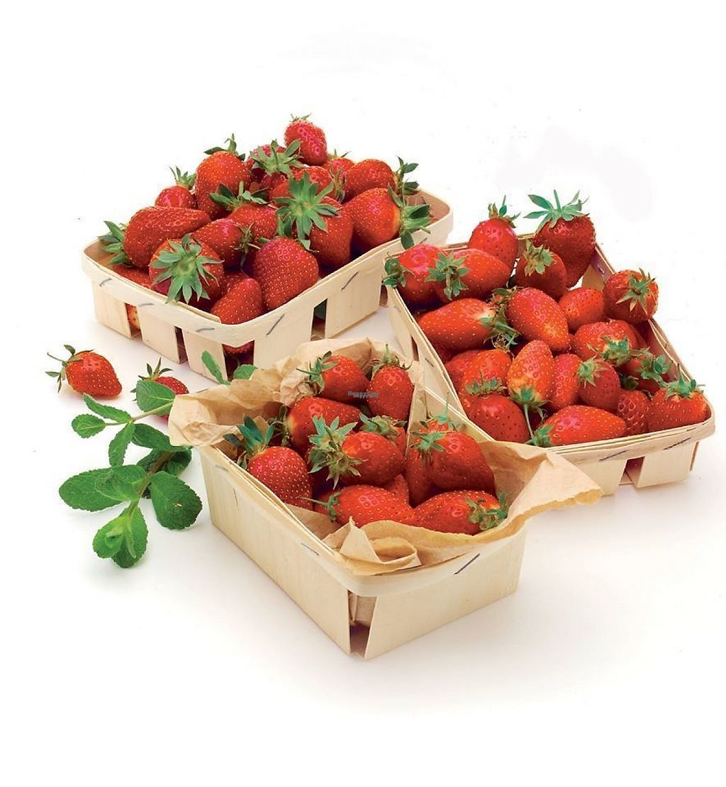 """Photo of Naturalia  by <a href=""""/members/profile/community"""">community</a> <br/>Strawberries <br/> January 26, 2017  - <a href='/contact/abuse/image/84467/216960'>Report</a>"""
