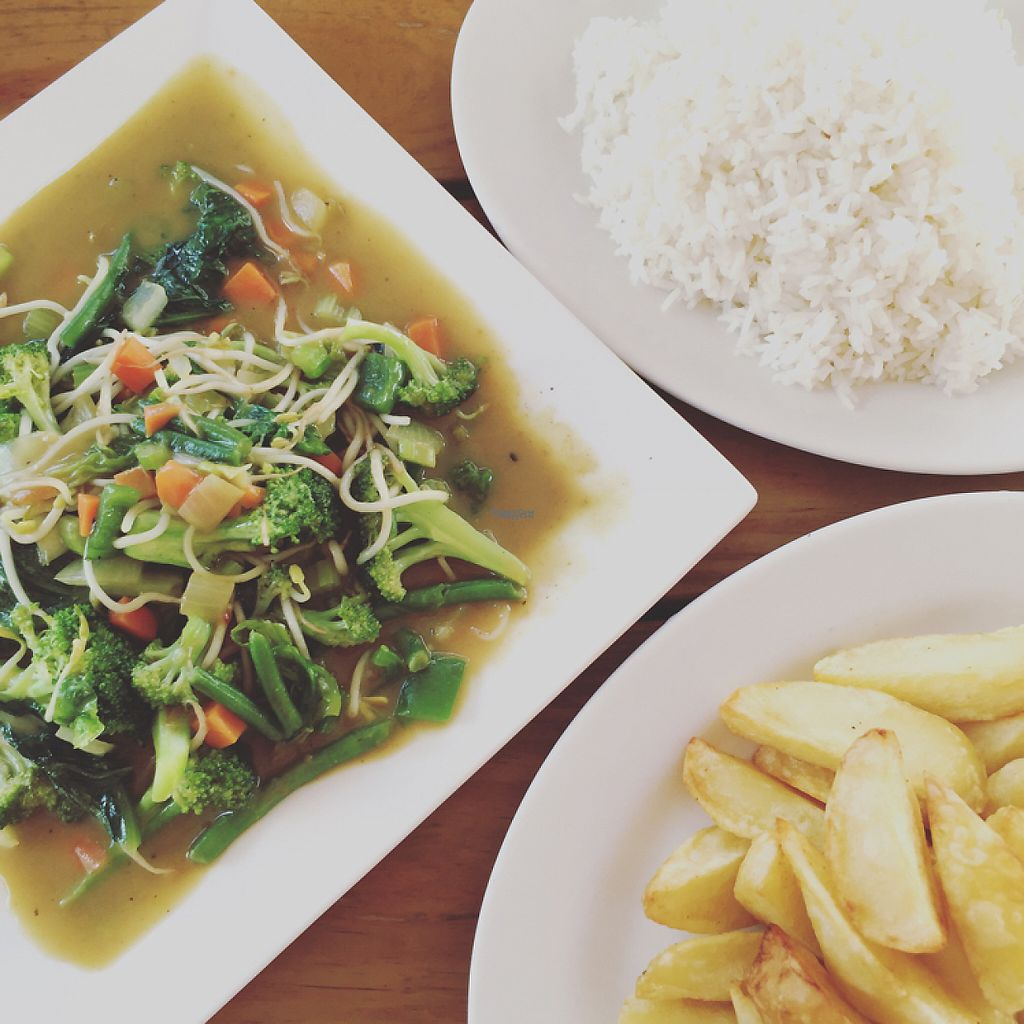 """Photo of Bonanza Bar & Restaurant  by <a href=""""/members/profile/Eefie"""">Eefie</a> <br/>Vegetarian curry <br/> December 26, 2016  - <a href='/contact/abuse/image/84490/204884'>Report</a>"""