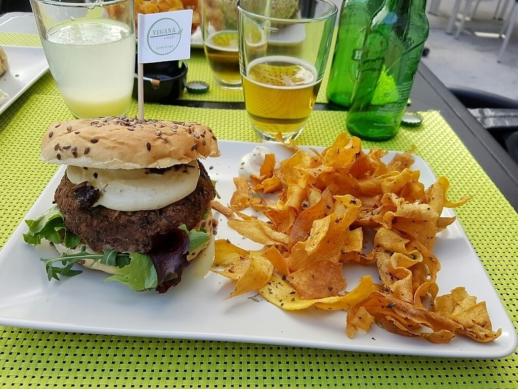 """Photo of Vegana Burgers - Cais do Sodre  by <a href=""""/members/profile/M%C3%BCllerb%C3%A6"""">Müllerbæ</a> <br/>Bean/mushroom burger with sweet potato chips and mayo <br/> March 16, 2017  - <a href='/contact/abuse/image/84623/236979'>Report</a>"""