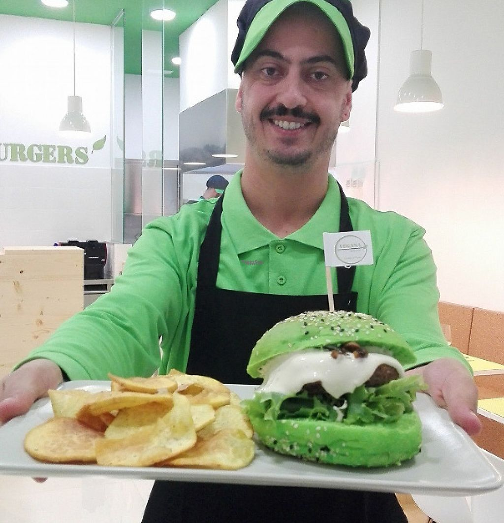 """Photo of Vegana Burgers - Cais do Sodre  by <a href=""""/members/profile/Vera%20Peres"""">Vera Peres</a> <br/>Burger and fries <br/> January 4, 2017  - <a href='/contact/abuse/image/84623/241319'>Report</a>"""