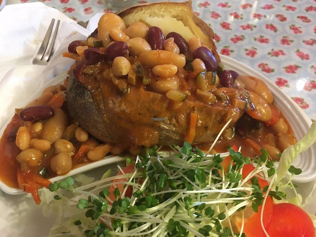 """Photo of Goathland Tea Room & Gifts  by <a href=""""/members/profile/astronemma"""">astronemma</a> <br/>Vegan chili in a jacket potato  <br/> January 1, 2017  - <a href='/contact/abuse/image/84674/206825'>Report</a>"""