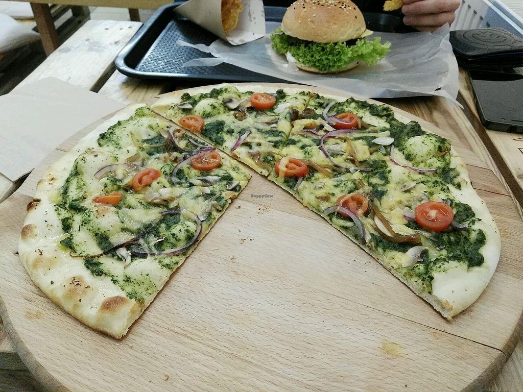 "Photo of Chutnej Fast Food  by <a href=""/members/profile/BajaSl%C3%A1vikov%C3%A1"">BajaSláviková</a> <br/>spinach pizza <br/> December 21, 2017  - <a href='/contact/abuse/image/84697/337832'>Report</a>"