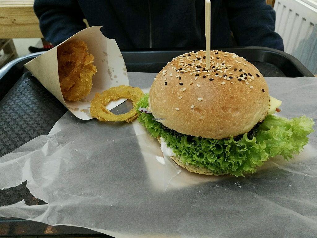 """Photo of Chutnej Fast Food  by <a href=""""/members/profile/BajaSl%C3%A1vikov%C3%A1"""">BajaSláviková</a> <br/>ceko brko <br/> December 21, 2017  - <a href='/contact/abuse/image/84697/337833'>Report</a>"""