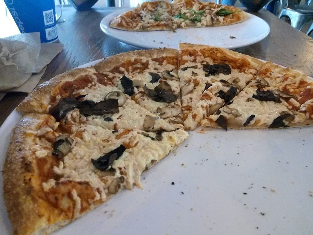 """Photo of Pies The Limit - MacArthur   by <a href=""""/members/profile/IsiDixie"""">IsiDixie</a> <br/>Mushroom pizza  <br/> April 10, 2017  - <a href='/contact/abuse/image/84722/246785'>Report</a>"""