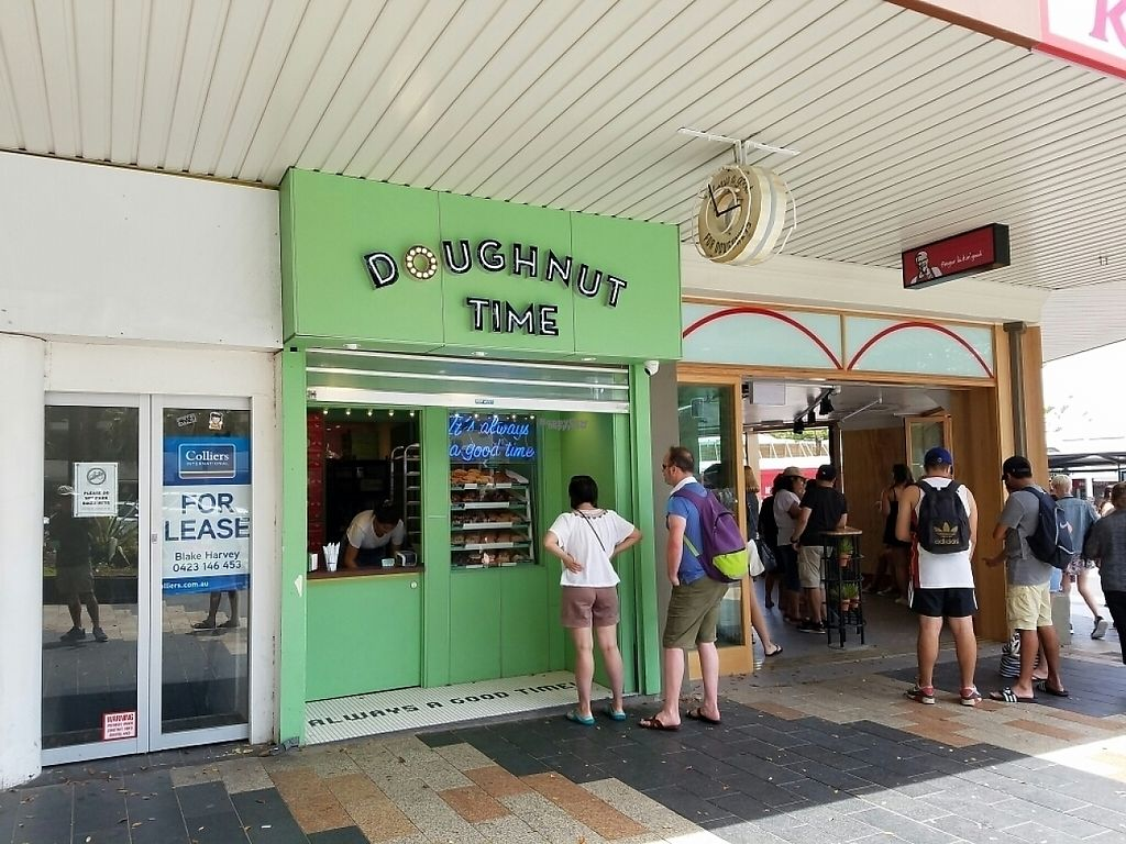 """Photo of CLOSED: Doughnut Time - Manly  by <a href=""""/members/profile/EverydayTastiness"""">EverydayTastiness</a> <br/>store front <br/> December 30, 2016  - <a href='/contact/abuse/image/84757/206318'>Report</a>"""