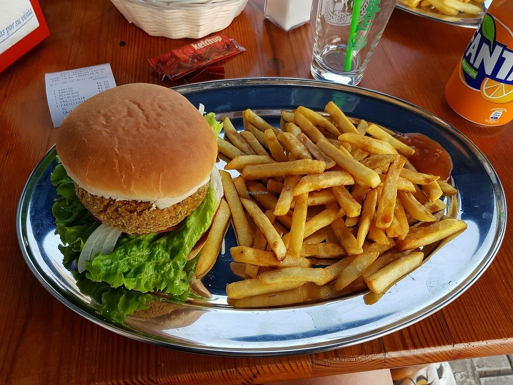 """Photo of Cafe Bonjour  by <a href=""""/members/profile/Maize"""">Maize</a> <br/>Lentil burger + chips  <br/> December 7, 2017  - <a href='/contact/abuse/image/84767/333219'>Report</a>"""