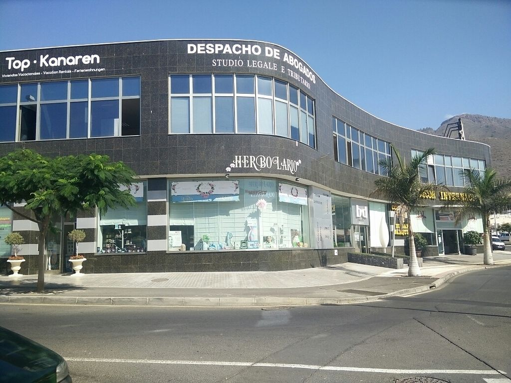 """Photo of Herbolario El Loto Dorado  by <a href=""""/members/profile/justhappyveru"""">justhappyveru</a> <br/>View from outside <br/> January 10, 2017  - <a href='/contact/abuse/image/84885/210361'>Report</a>"""