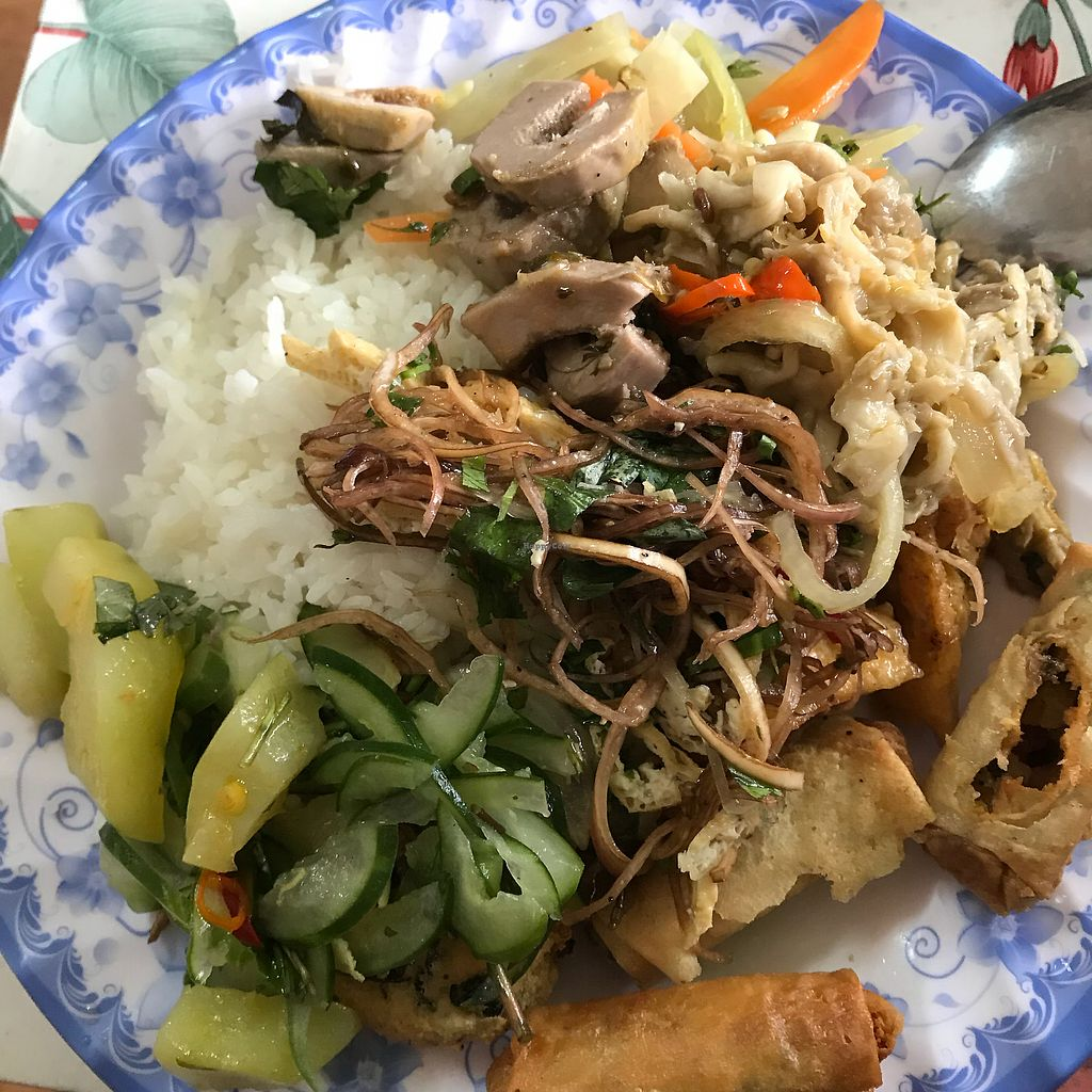 """Photo of Quan Chay 15  by <a href=""""/members/profile/T-Bone"""">T-Bone</a> <br/>Buffet lunch <br/> January 13, 2018  - <a href='/contact/abuse/image/84890/346019'>Report</a>"""