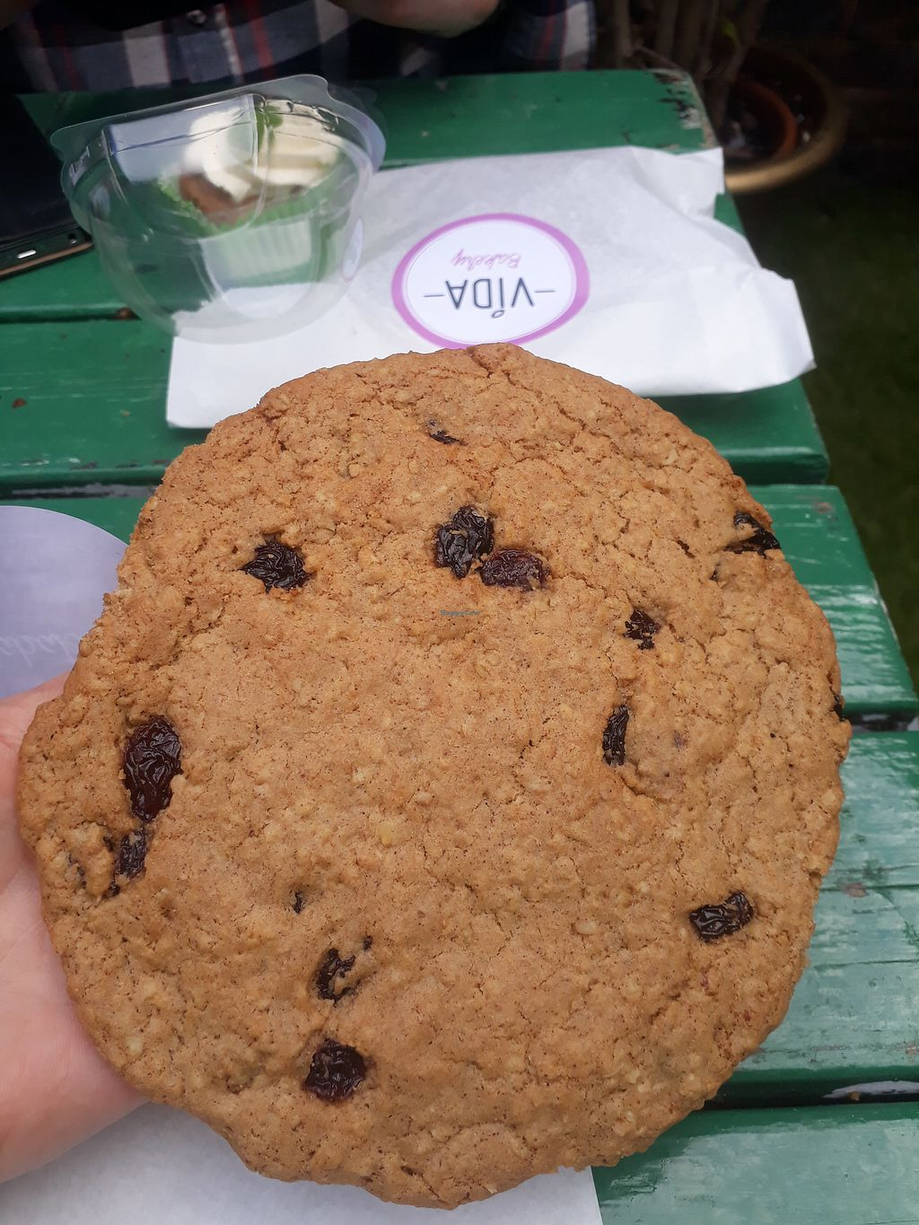 "Photo of Vida Bakery  by <a href=""/members/profile/LauraMu"">LauraMu</a> <br/>The best cinnamon raisin cookies <br/> January 4, 2018  - <a href='/contact/abuse/image/84964/342937'>Report</a>"