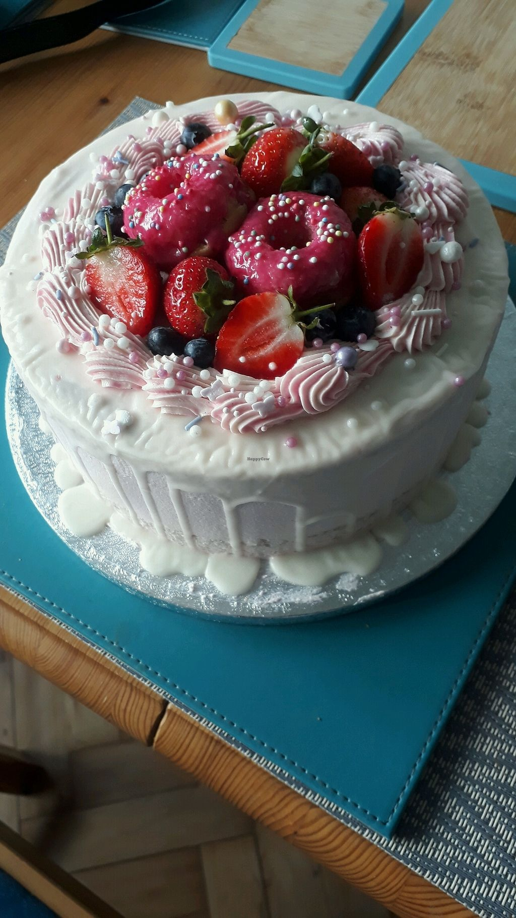 "Photo of Vida Bakery  by <a href=""/members/profile/LauraMu"">LauraMu</a> <br/>A bespoke cake we ordered <br/> January 5, 2018  - <a href='/contact/abuse/image/84964/343330'>Report</a>"