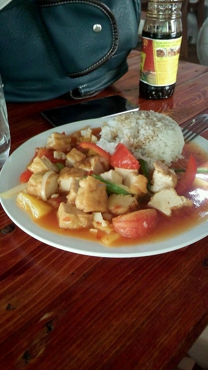 "Photo of Yummy Restaurant  by <a href=""/members/profile/EileenG"">EileenG</a> <br/>tofu y vegetales agridulce con arroz <br/> October 1, 2017  - <a href='/contact/abuse/image/84993/310477'>Report</a>"