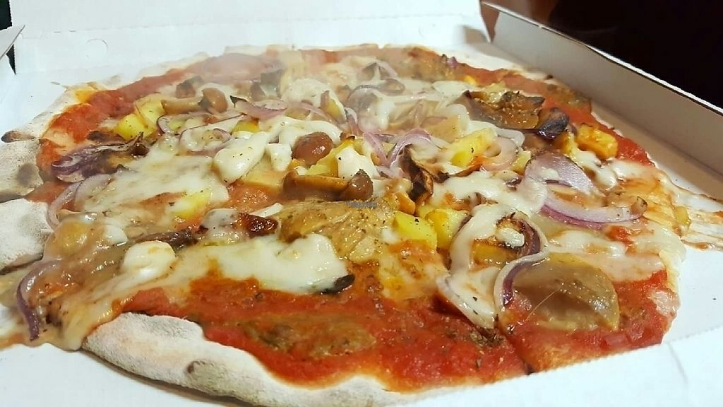 "Photo of Pizzeria Stuzzico 2  by <a href=""/members/profile/Ranger78"">Ranger78</a> <br/>Pizza with mushroom!  <br/> January 4, 2017  - <a href='/contact/abuse/image/85031/208178'>Report</a>"