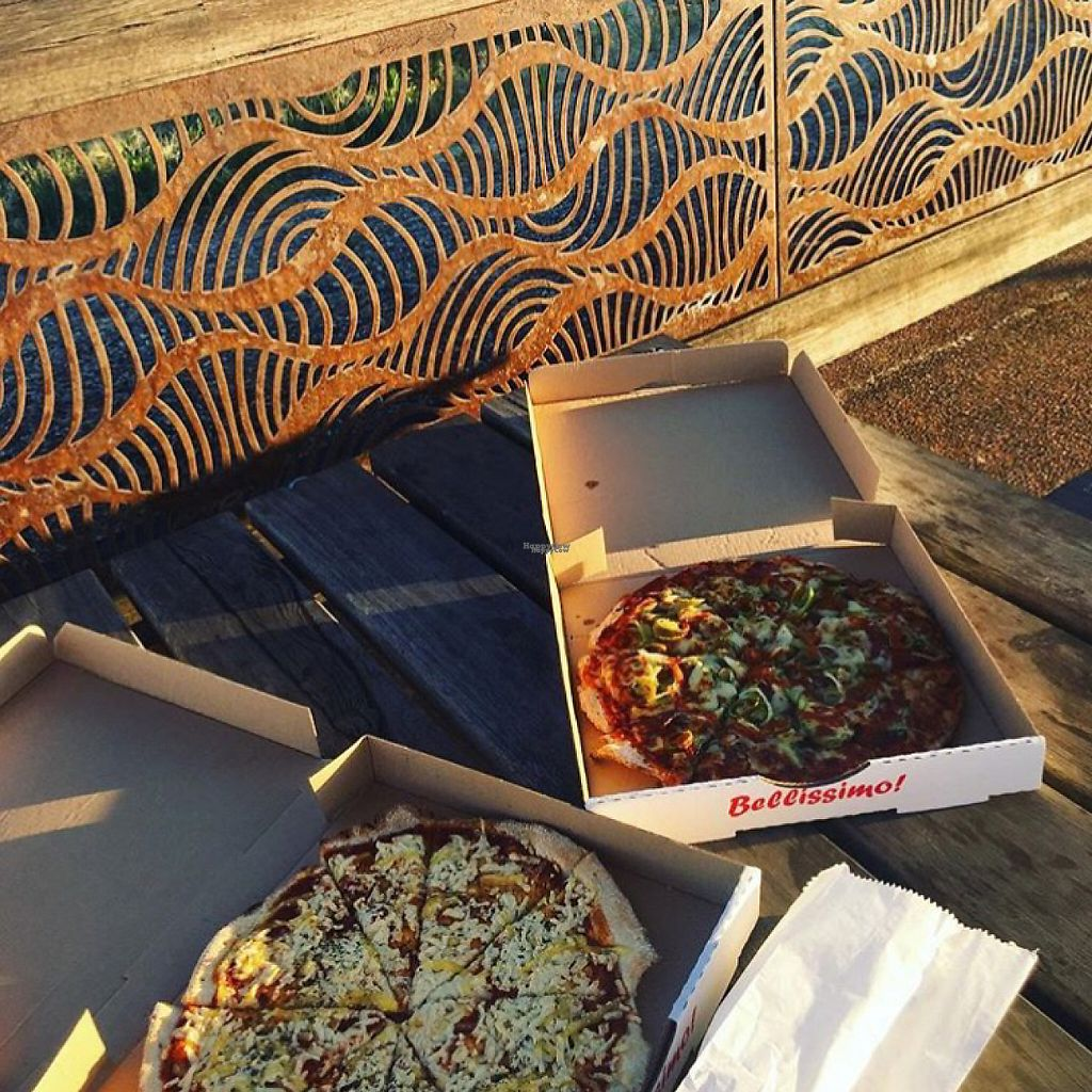 """Photo of Harry's Gourmet Pizza  by <a href=""""/members/profile/Sammybrack"""">Sammybrack</a> <br/>Pizza by the beach! Vegan Margarita and Vegan Mexican w Vegan Garlic Bread <br/> January 10, 2017  - <a href='/contact/abuse/image/85170/210232'>Report</a>"""