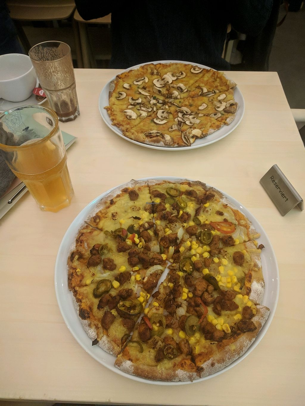 "Photo of Veganel  by <a href=""/members/profile/Navaie"">Navaie</a> <br/>Pizza Mexicana & Pizza Funghi <br/> November 11, 2017  - <a href='/contact/abuse/image/85242/324254'>Report</a>"