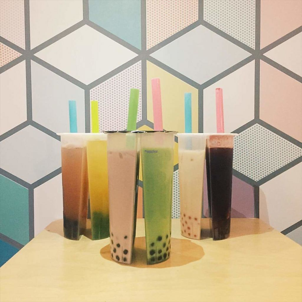 """Photo of CUPP Bubble Tea  by <a href=""""/members/profile/community"""">community</a> <br/>Split cup bubble tea <br/> January 10, 2017  - <a href='/contact/abuse/image/85284/210194'>Report</a>"""
