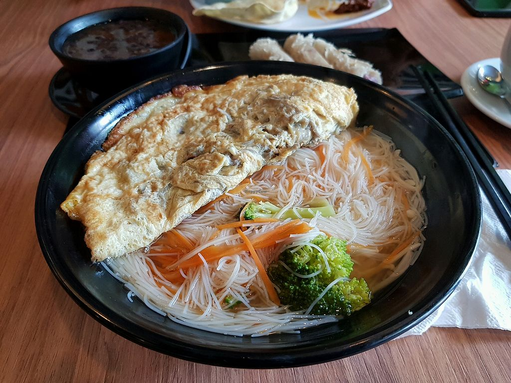 """Photo of Sandalo Healthy Vegetarian Cuisine  by <a href=""""/members/profile/VynieWong"""">VynieWong</a> <br/>Vegetarian Wine Vermicelli <br/> April 29, 2018  - <a href='/contact/abuse/image/85302/392354'>Report</a>"""