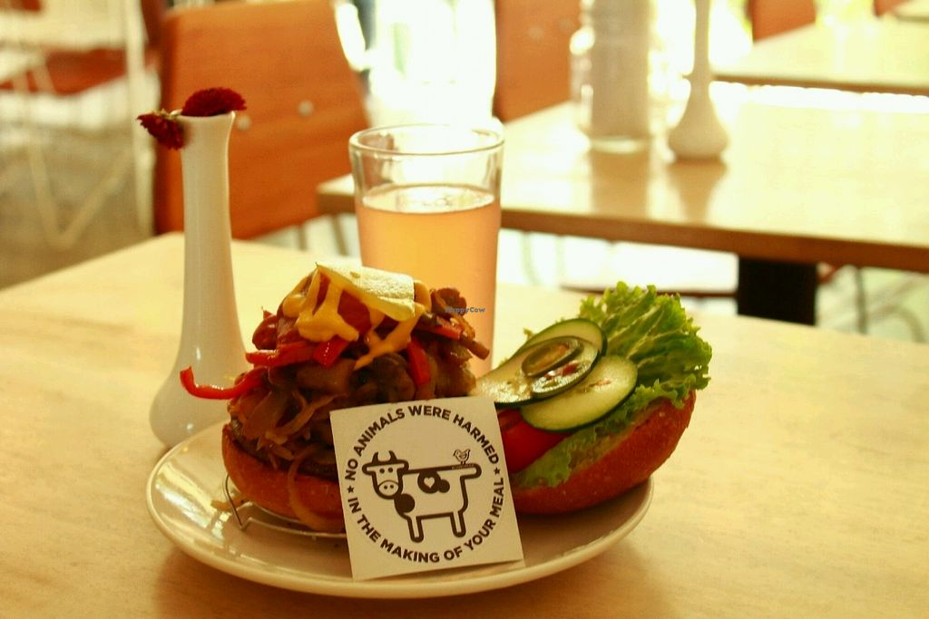 """Photo of Luv Burger  by <a href=""""/members/profile/francisperezs"""">francisperezs</a> <br/>Luv Burger <br/> July 2, 2017  - <a href='/contact/abuse/image/85306/276015'>Report</a>"""