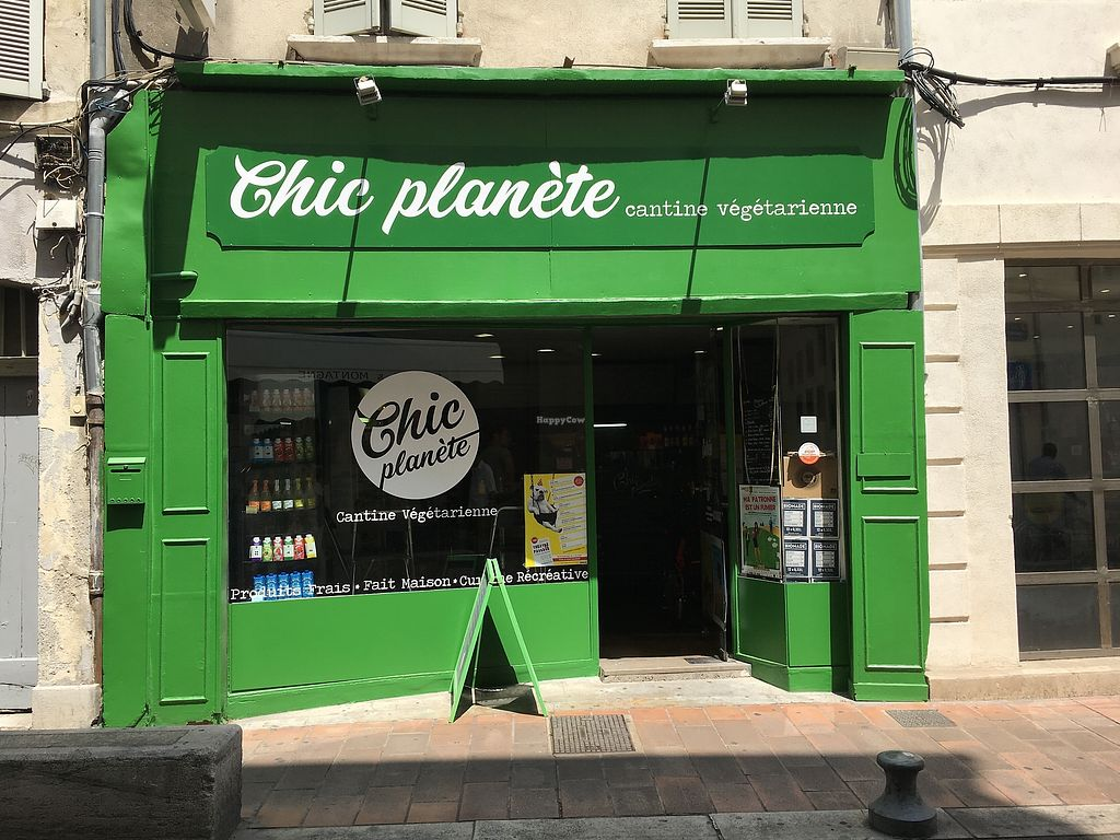 """Photo of Chic Planete  by <a href=""""/members/profile/vegan%20frog"""">vegan frog</a> <br/>Outside <br/> June 23, 2017  - <a href='/contact/abuse/image/85341/272660'>Report</a>"""