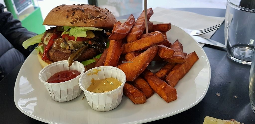 """Photo of Chic Planete  by <a href=""""/members/profile/ctgarces"""">ctgarces</a> <br/>burger with sweet potato fries  <br/> November 6, 2017  - <a href='/contact/abuse/image/85341/322561'>Report</a>"""