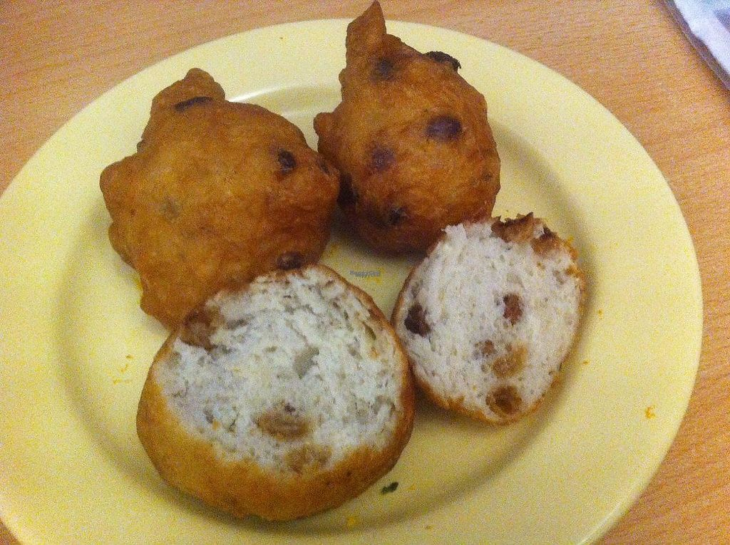"""Photo of Verwijk's Oliebollen  by <a href=""""/members/profile/Sternanis"""">Sternanis</a> <br/>Oliebol with raisins <br/> January 11, 2017  - <a href='/contact/abuse/image/85377/210594'>Report</a>"""
