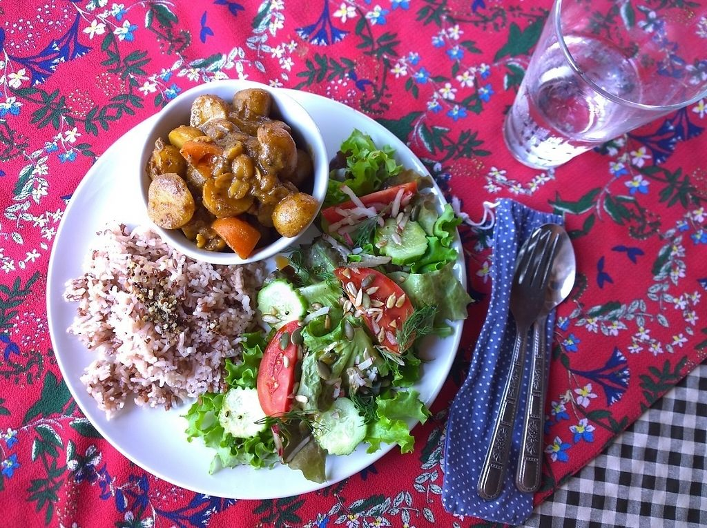 """Photo of Little Good Things  by <a href=""""/members/profile/mashaterehova"""">mashaterehova</a> <br/>massaman curry  <br/> February 11, 2017  - <a href='/contact/abuse/image/85437/225139'>Report</a>"""