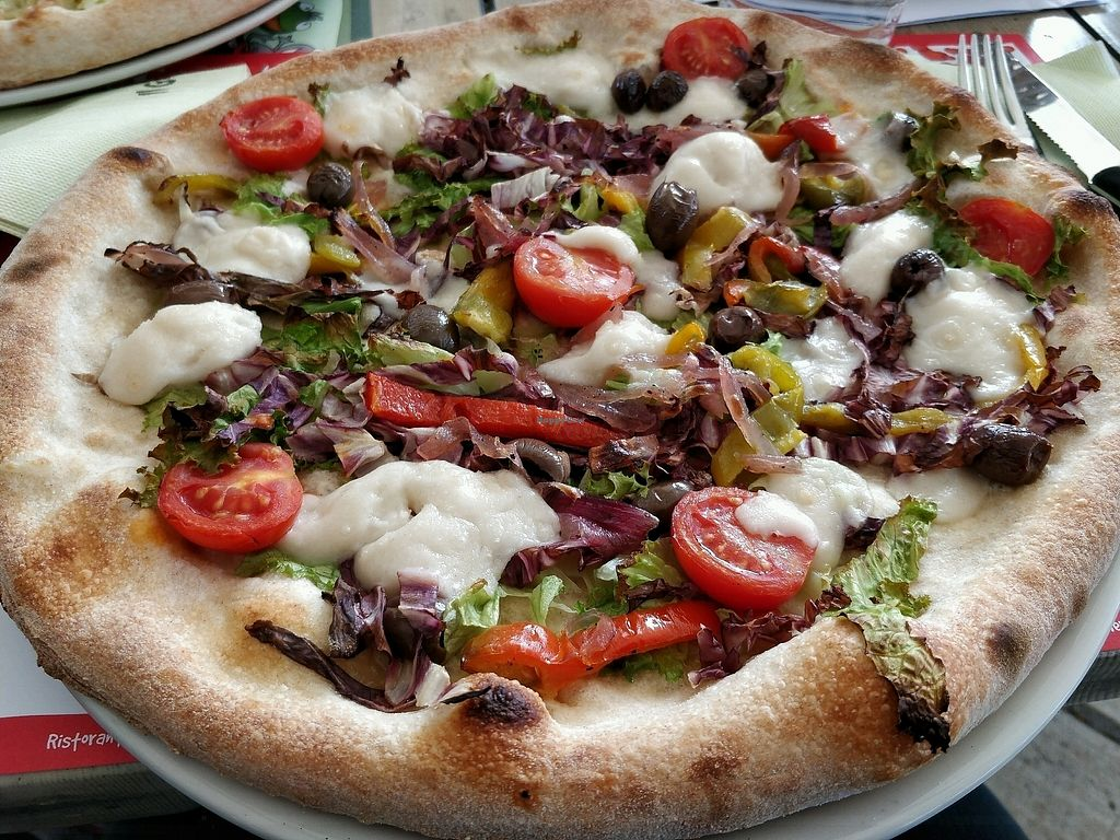 "Photo of Il Giardino delle Rane  by <a href=""/members/profile/sunshineMUC"">sunshineMUC</a> <br/>vegan pizza <br/> October 7, 2017  - <a href='/contact/abuse/image/85445/312895'>Report</a>"