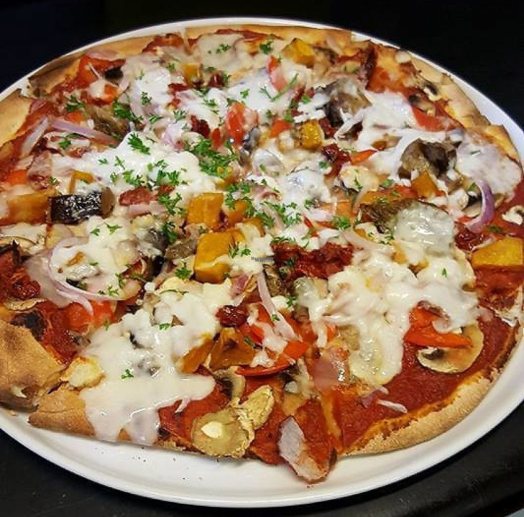 "Photo of Tomato Brothers  by <a href=""/members/profile/community"">community</a> <br/>Vegan pizza <br/> January 13, 2017  - <a href='/contact/abuse/image/85484/254369'>Report</a>"