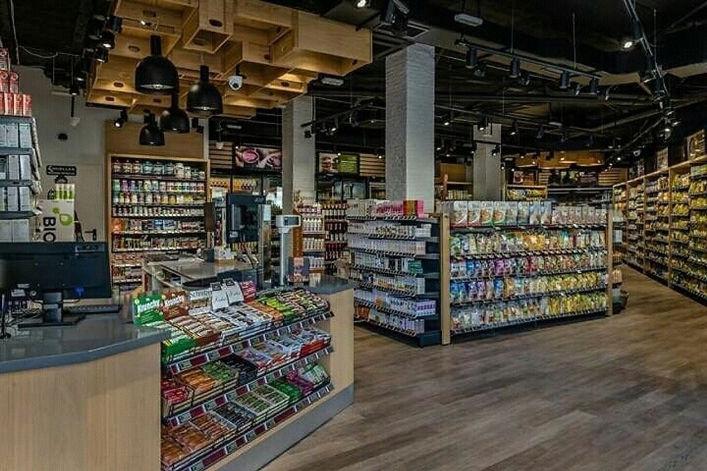 """Photo of Spar Natural  by <a href=""""/members/profile/JulianV"""">JulianV</a> <br/>Store interior <br/> January 15, 2017  - <a href='/contact/abuse/image/85566/212146'>Report</a>"""