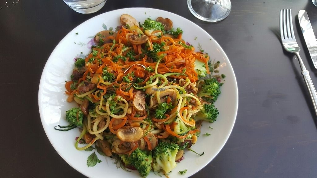 """Photo of L'Histoire Du Bonheur  by <a href=""""/members/profile/Hedera"""">Hedera</a> <br/>Courgette spaghetti <br/> January 17, 2017  - <a href='/contact/abuse/image/85698/212896'>Report</a>"""
