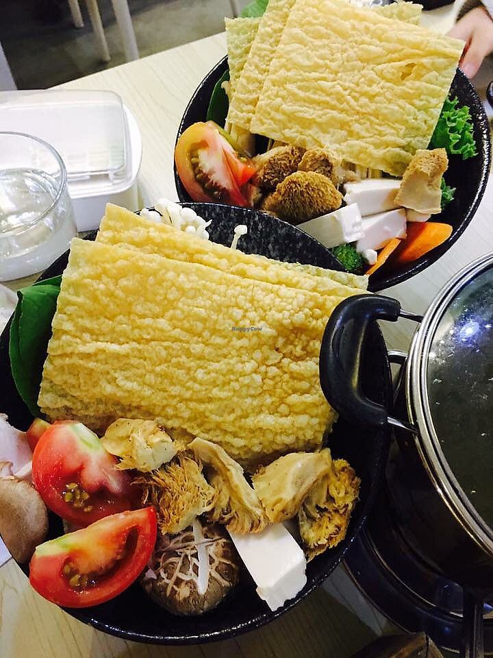 """Photo of Daun Kitchen  by <a href=""""/members/profile/CherylQuincy"""">CherylQuincy</a> <br/>Hotpot veggies  <br/> January 31, 2018  - <a href='/contact/abuse/image/85855/353221'>Report</a>"""