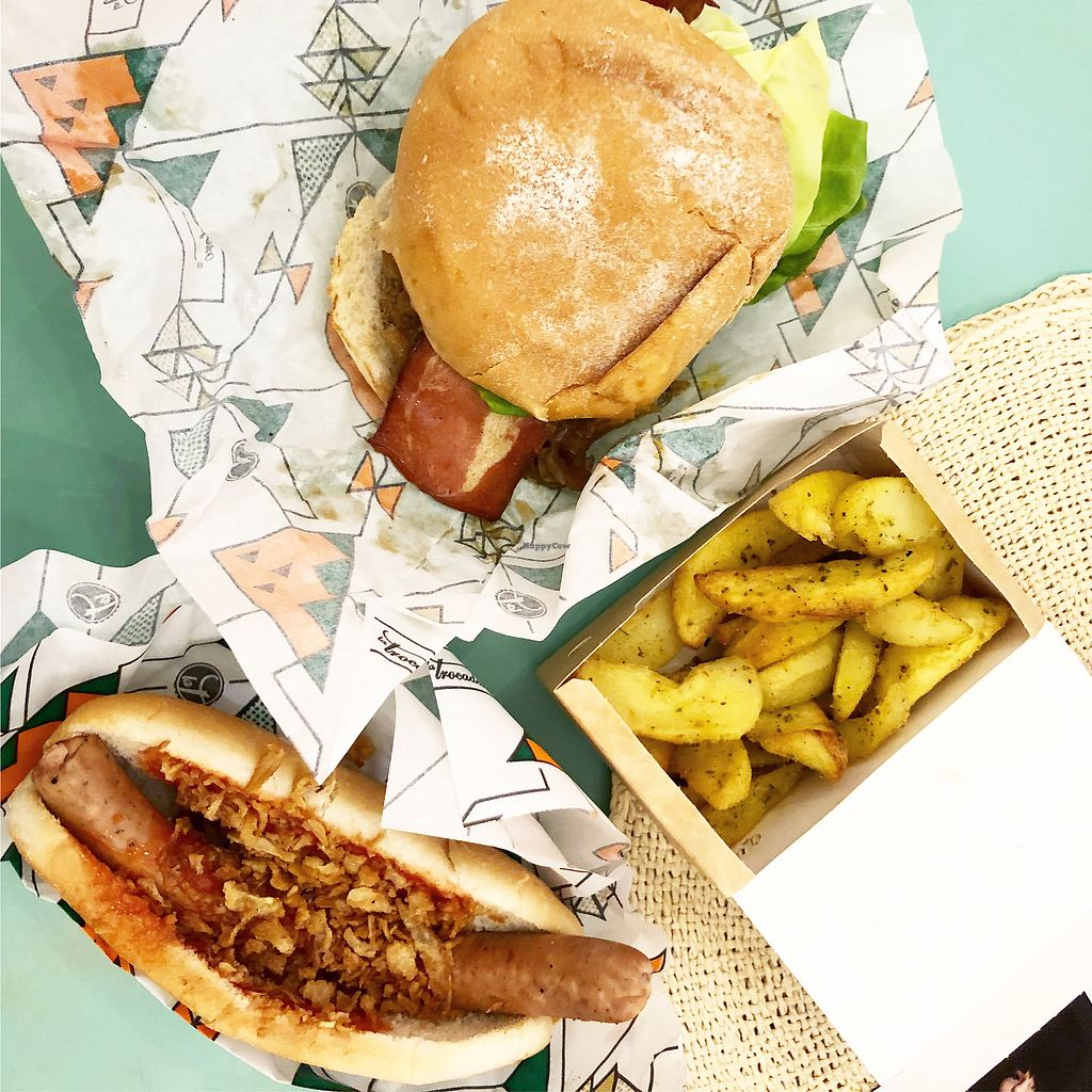 """Photo of La Trocadero  by <a href=""""/members/profile/JodieMarriott-Baker"""">JodieMarriott-Baker</a> <br/>Set bacon burger and classic hot dog with chips  <br/> April 2, 2018  - <a href='/contact/abuse/image/85913/379930'>Report</a>"""