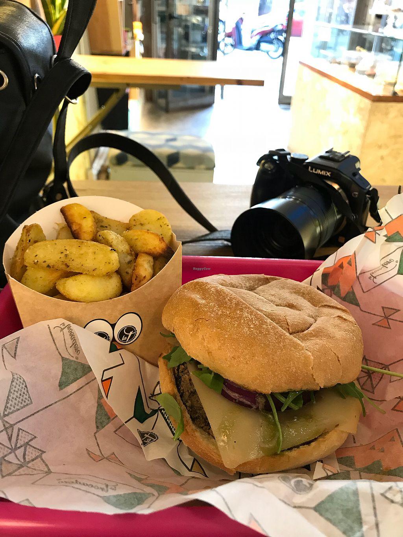 "Photo of La Trocadero  by <a href=""/members/profile/Vivian"">Vivian</a> <br/>mushroom burger <br/> April 9, 2018  - <a href='/contact/abuse/image/85913/383002'>Report</a>"