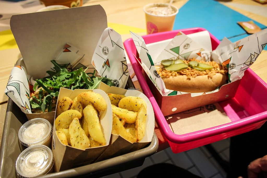 """Photo of La Trocadero  by <a href=""""/members/profile/SueClesh"""">SueClesh</a> <br/>hot dogs and potatoes <br/> April 17, 2018  - <a href='/contact/abuse/image/85913/387123'>Report</a>"""