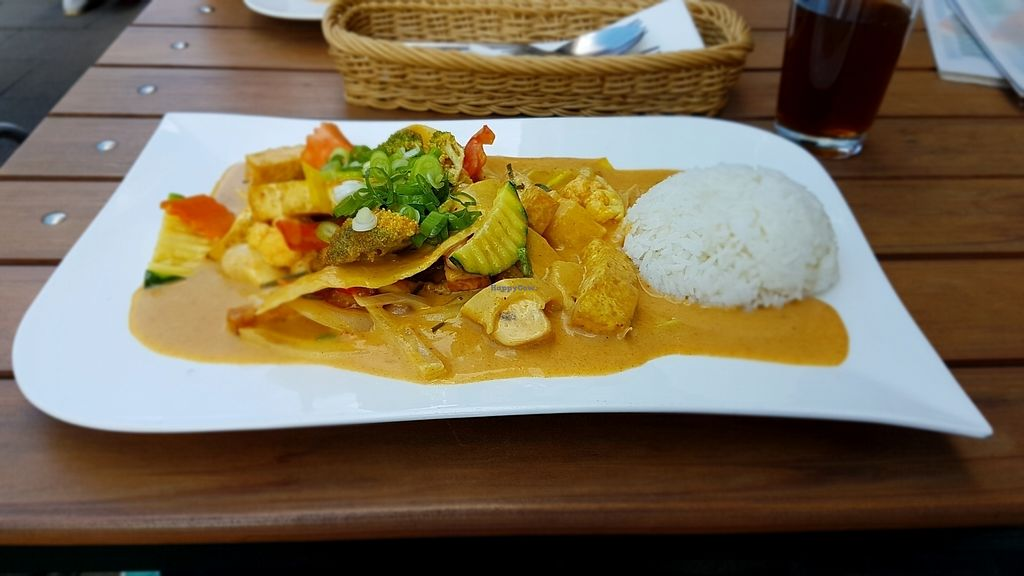 """Photo of Thai Thai  by <a href=""""/members/profile/mon1que"""">mon1que</a> <br/>Peanut sauce vegan rice dish <br/> August 13, 2017  - <a href='/contact/abuse/image/85923/292227'>Report</a>"""