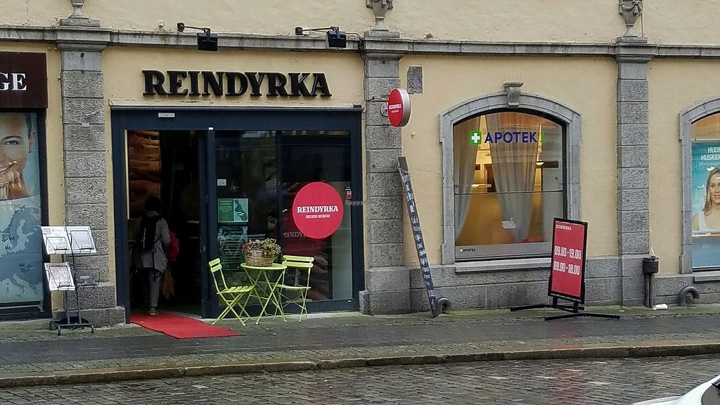 "Photo of Reindyrka  by <a href=""/members/profile/eric"">eric</a> <br/>outside <br/> September 30, 2017  - <a href='/contact/abuse/image/85973/310120'>Report</a>"