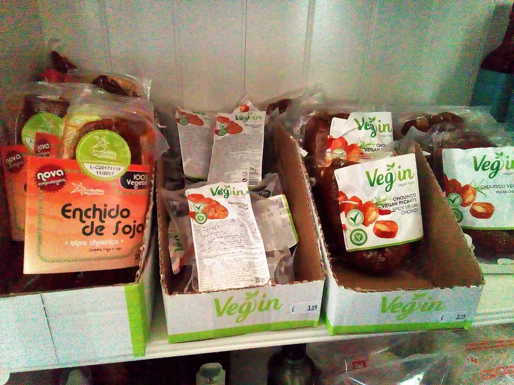 """Photo of EasyGreen Foodstore  by <a href=""""/members/profile/Anticopy"""">Anticopy</a> <br/>Chouriço (chorizo) and other """"processed"""" vegan meats <br/> July 29, 2017  - <a href='/contact/abuse/image/86006/286372'>Report</a>"""
