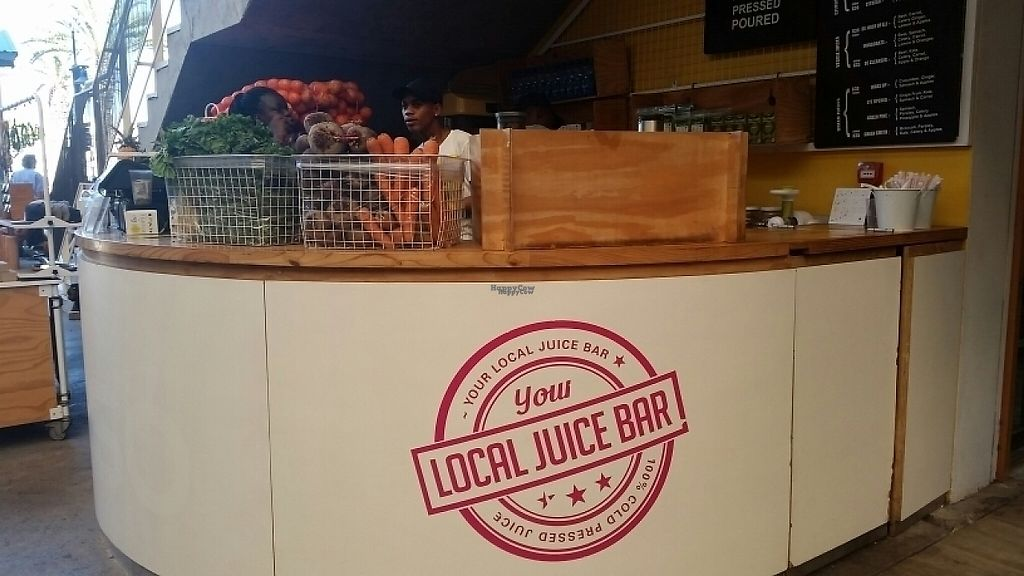 """Photo of ESO Juice Company - V & A Waterfront  by <a href=""""/members/profile/konlish"""">konlish</a> <br/>Bar Stand <br/> January 27, 2017  - <a href='/contact/abuse/image/86073/217735'>Report</a>"""