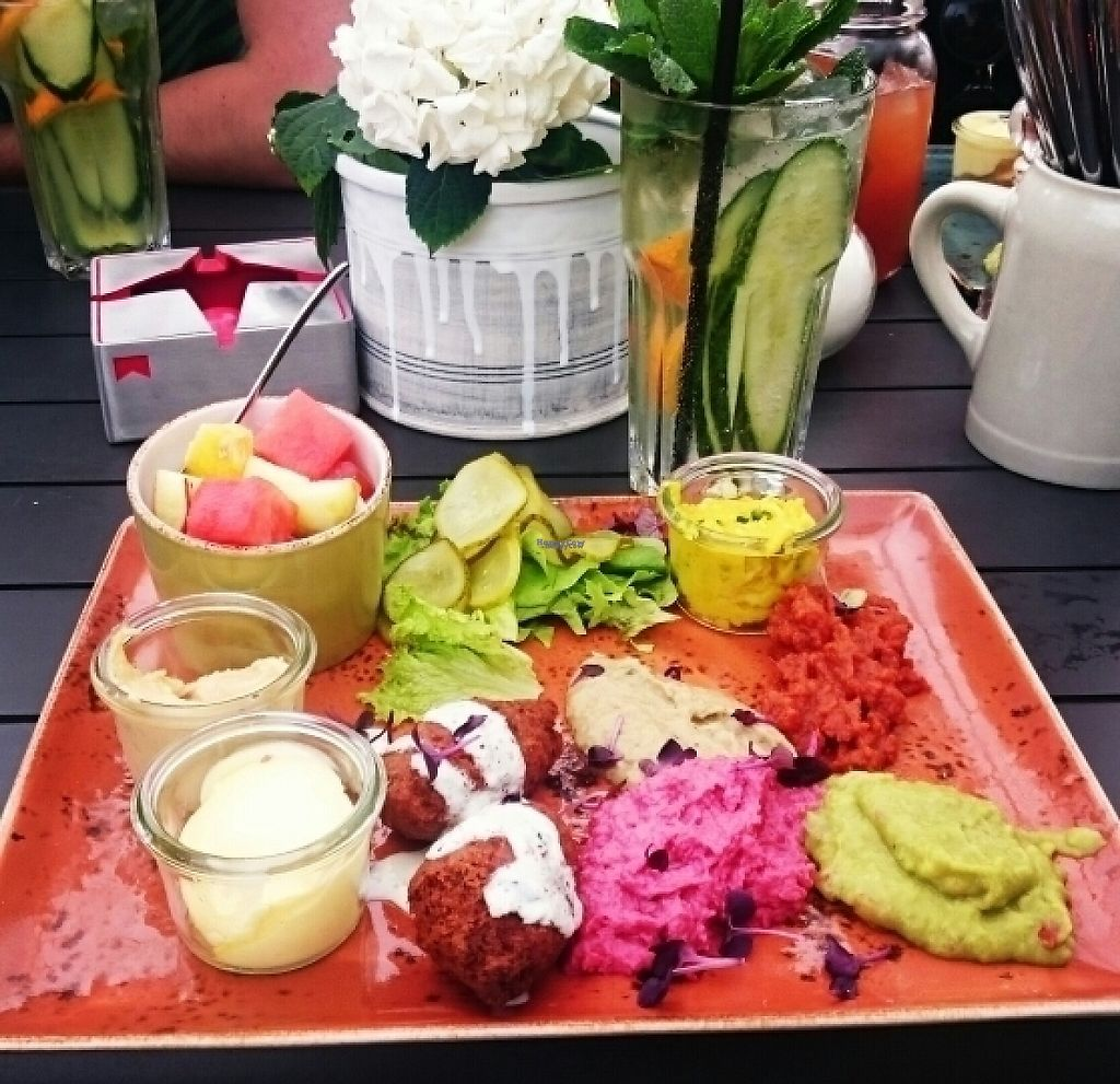 "Photo of Langosch am Main  by <a href=""/members/profile/Moonshine"">Moonshine</a> <br/>vegan brunch plate <br/> March 20, 2017  - <a href='/contact/abuse/image/86172/238796'>Report</a>"