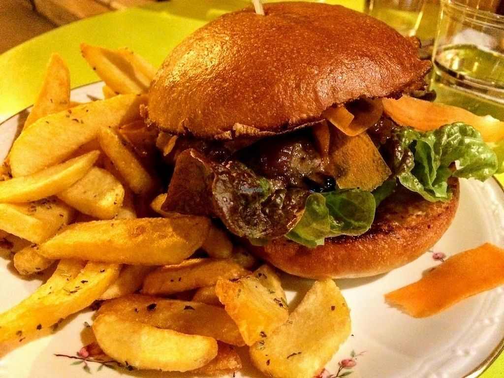 """Photo of Aux Petits Oignons  by <a href=""""/members/profile/sophiecow"""">sophiecow</a> <br/>The vegan """"Aubergine"""" (eggplant) burger and fries <br/> January 29, 2017  - <a href='/contact/abuse/image/86206/218876'>Report</a>"""
