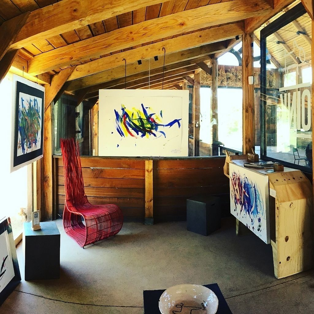 "Photo of Farm Sanctuary SA  by <a href=""/members/profile/FarmSanctuarySA"">FarmSanctuarySA</a> <br/>OINK Gallery. Pigcasso, the world renowned painting pig and her gallery reside within the main barn at the sanctuary <br/> January 31, 2017  - <a href='/contact/abuse/image/86253/219817'>Report</a>"