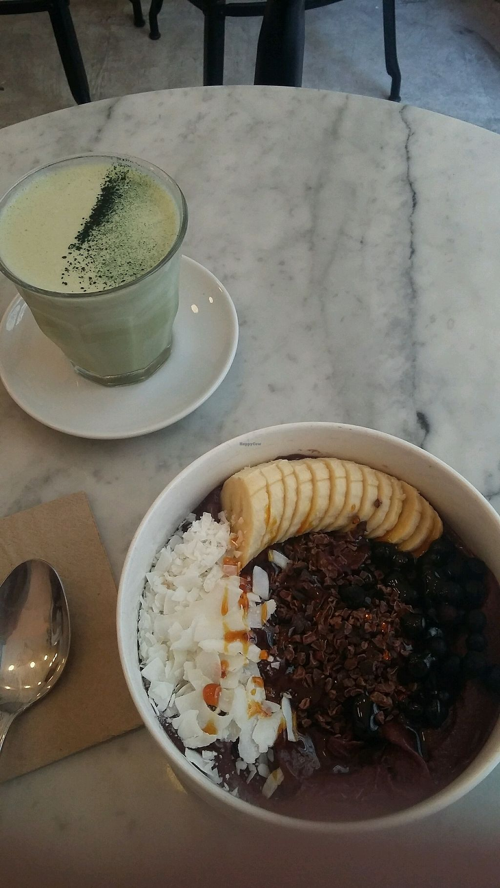 "Photo of Love Juice Bar  by <a href=""/members/profile/lola.leva"">lola.leva</a> <br/>acai bowl et matcha latte <br/> February 24, 2018  - <a href='/contact/abuse/image/86271/363315'>Report</a>"