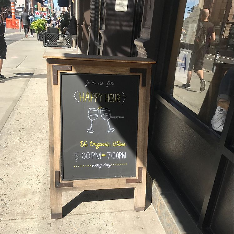 "Photo of Le Pain Quotidien - Tribeca  by <a href=""/members/profile/Miss.Saye"">Miss.Saye</a> <br/>serves organic wine ?  <br/> June 20, 2017  - <a href='/contact/abuse/image/86300/271500'>Report</a>"